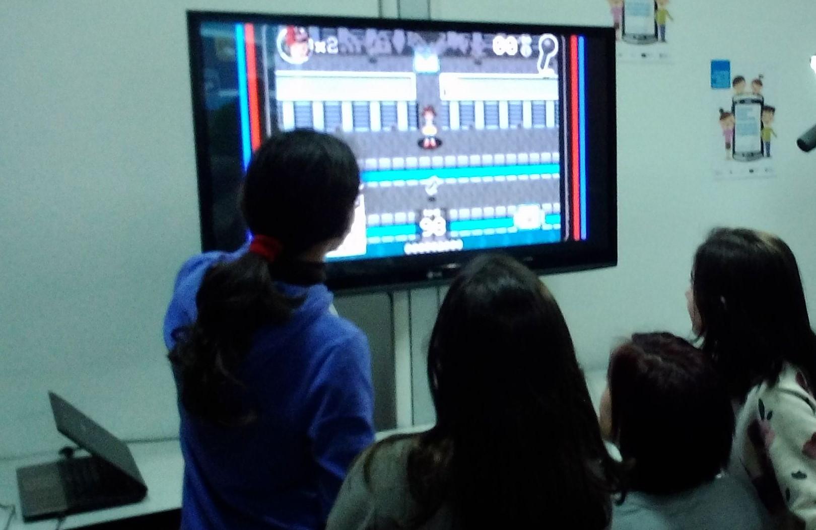 Jornada-padres-y-madres-educando-en-igualdad-mando-arcade