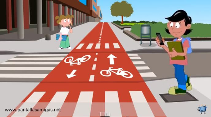 peatones-y-smartphones-riesgos-del-celular-viandantes
