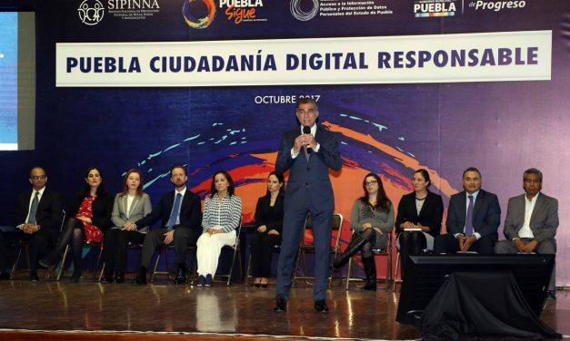 """Gobernador Tony Gali inicia programa """"Puebla, Ciudadanía Digital Responsable"""""""
