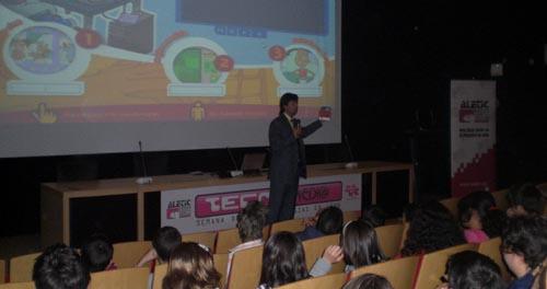 Sesiones de sensibilización y formación para más de 1.000 alumnos y 500 padres