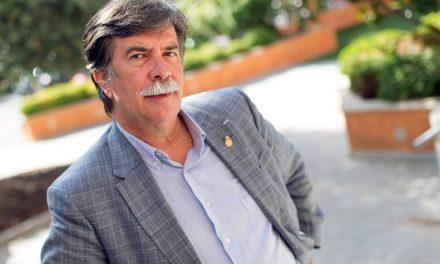 """Javier Urra: """"una buena educación minimiza los riesgos en Internet"""""""