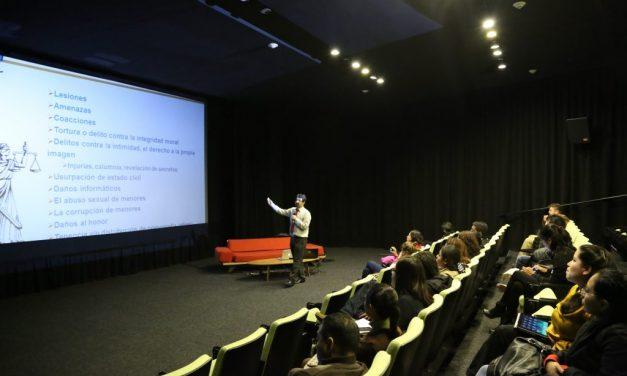 PantallasAmigas imparte conferencia sobre videojuegos educativos en el Centro de Cultura Digital de México