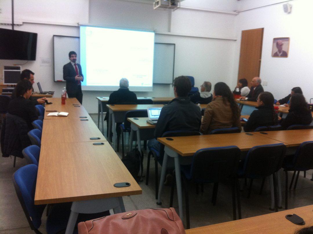 PantallasAmigas imparte una conferencia sobre competencias digitales en la Universidad Iberoamericana