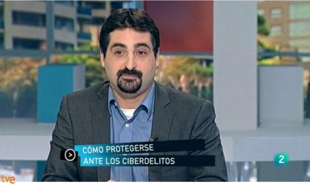 """PantallasAmigas debate sobre ciberdelitos en programa """"Para Todos La2"""""""