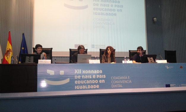 Familias aprenden a compartir la red, crecer y superar la brecha digital en Jornada organizada por la Xunta de Galicia
