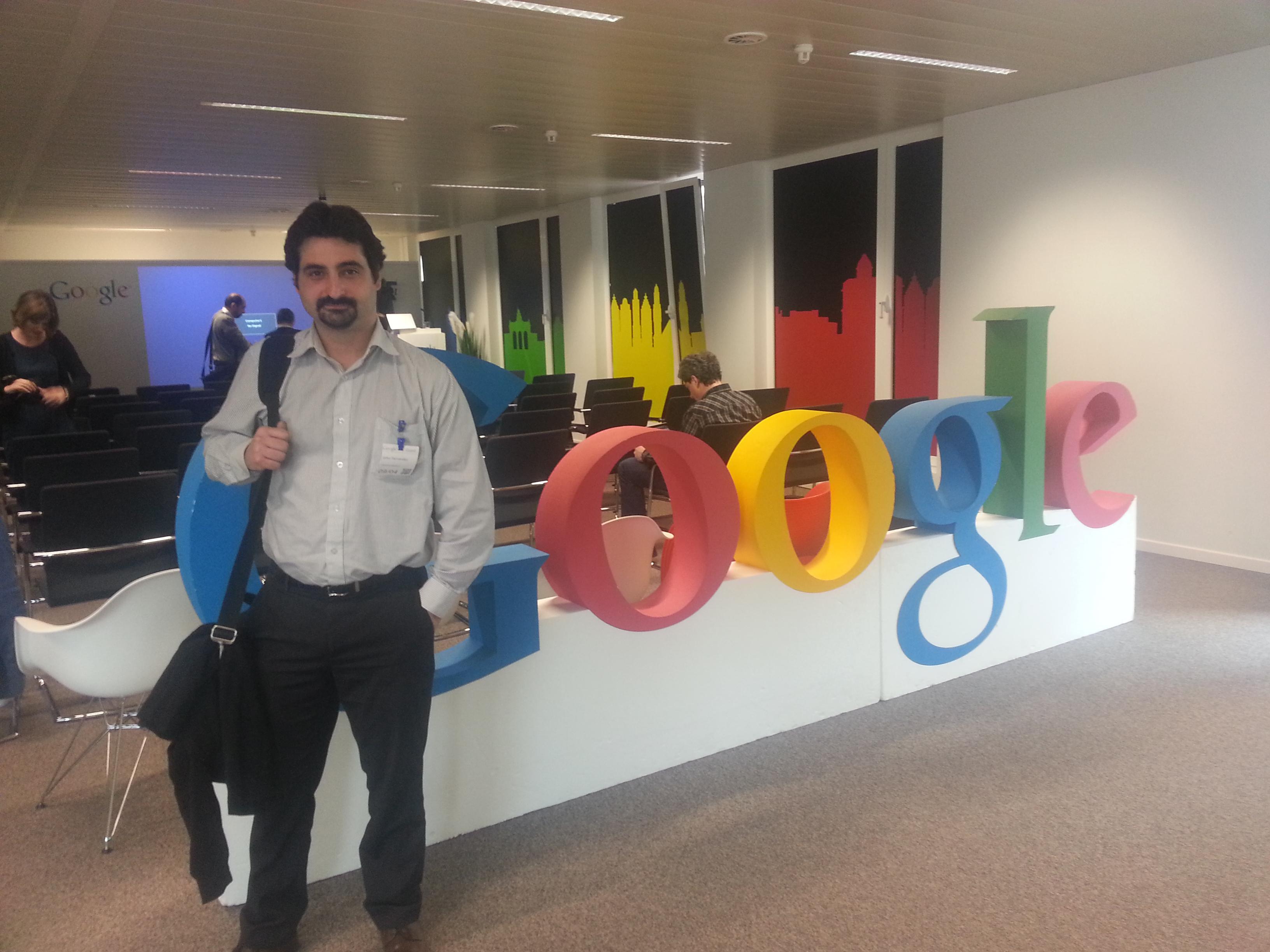 El director de proyectos de PantallasAmigas, durante su participación en la cumbre de Google
