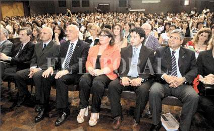 La jornada de inauguración contó con con la participación del gobernador Bonfatti y autoridades de la Universidad Católica. Foto: Luis Cetraro