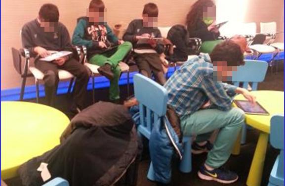 PantallasAmigas imparte taller con videojuegos en el Flagship Store de Telefonica