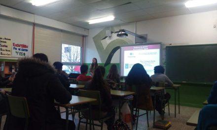 Adolescentes de Galicia aprenden a combatir la ciberviolencia de género con PantallasAmigas