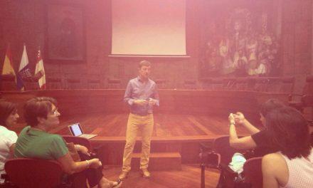 """Últimas sesiones del foro """"Educando a nuestros hijos"""" abordando la educación para la vida digital"""