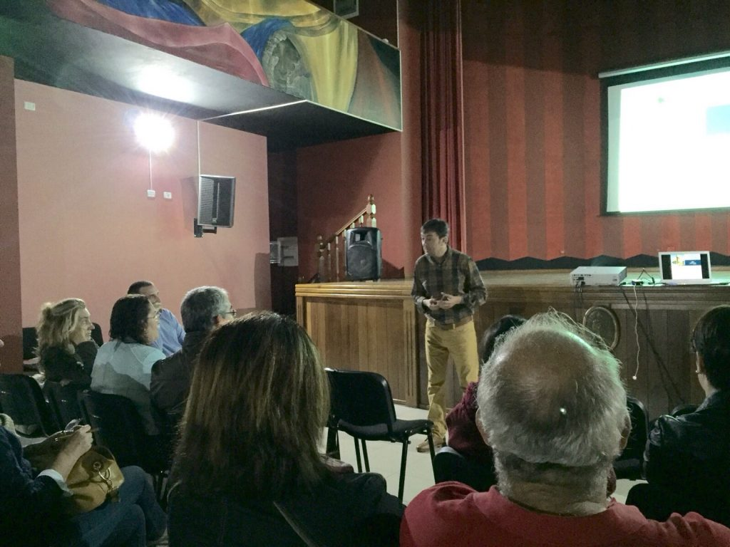 Jorge Flores fundador de PantallasAmigas jornadas Caja Canarias El Hierro