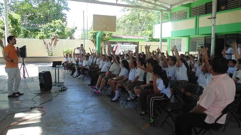PantallasAmigas responde las dudas del alumnado en uno de los talleres realizado en Tabasco
