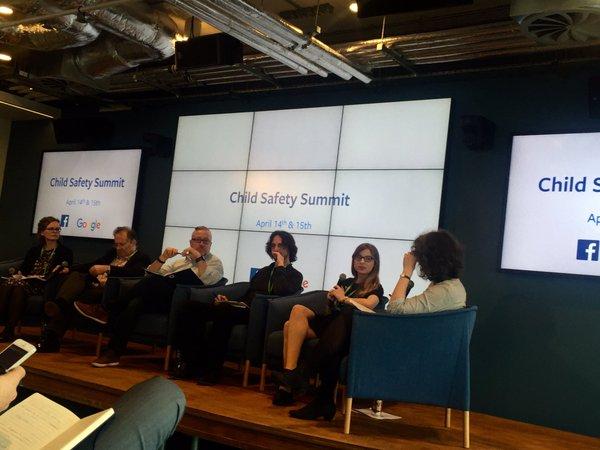 Sonia Livingstone modera panel sobre la edad de consentimiento digital en el Child Safety Summit del Facebook