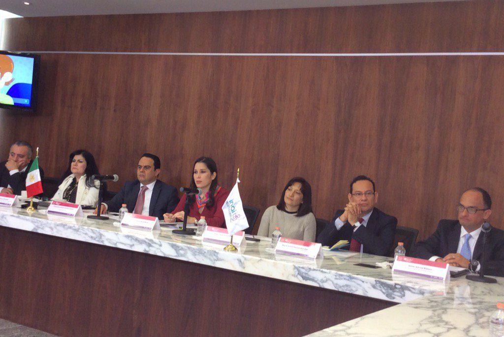 Juan Martín, Elva Cárdenas, Francisco Javier Acuña, Ximena Puente, Areli Cano, Mucio Israel Hernández y Javier García
