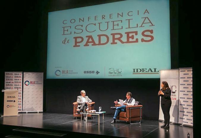 La Escuela de Padres de IDEAL coordinada por el Juez D. Emilio Calatayud aborda con PantallasAmigas la educación y la ciudadanía digital