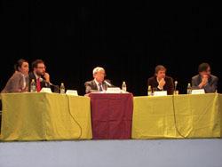 Mesa presidida por D. Luis Arroyo Galán, Director del Día de Internet en España