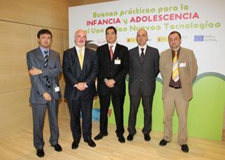 Los participantes en la Jornada de Buenas Prácticas para la Infancia y Adolescencia en el Uso de las Nuevas Tecnologías