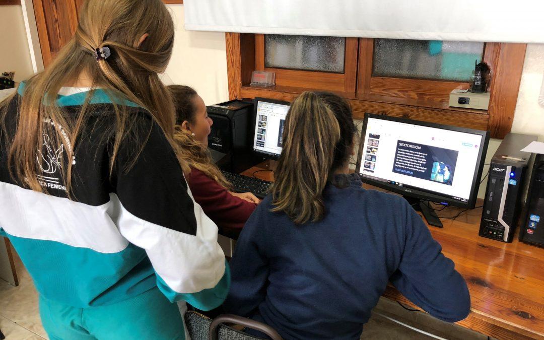 Cibermaganers en el Colegio San José Dominicas, Las Palmas de Gran Canaria
