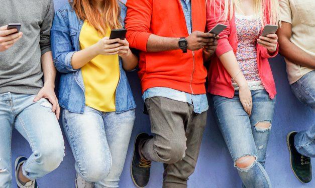 Seis de cada diez familias no cree necesario supervisar la conexión de sus menores a Internet