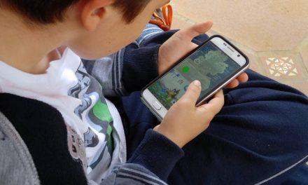 """""""No parece razonable o no se justifica que un menor tenga móvil antes de los 12 años"""" – La Razón"""