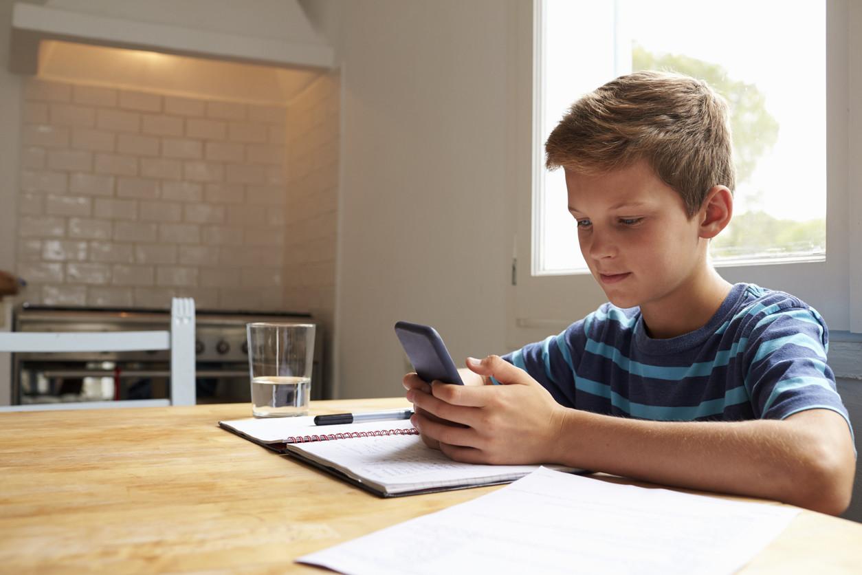 Contrato para un buen uso del móvil: una idea que arrasa