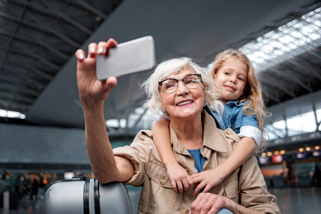 selfie abuela y niña