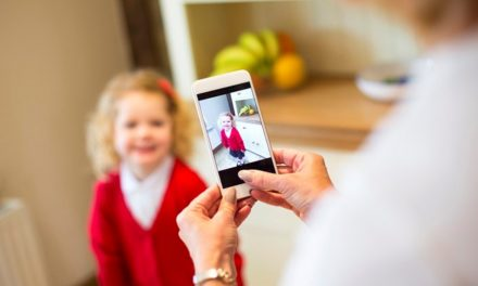Sharenting responsable: las 10 razones de PantallasAmigas para no compartir en Internet imágenes de menores