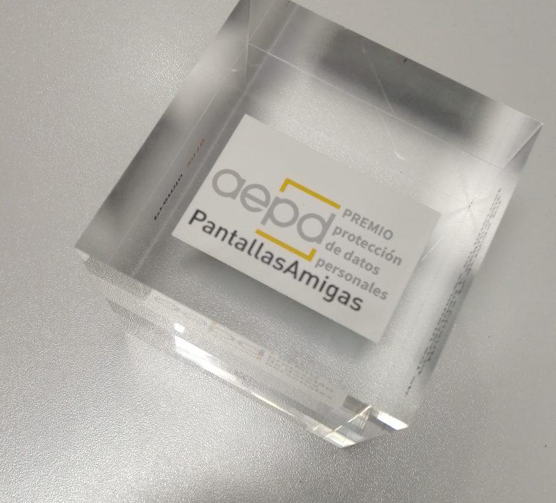 """Premio """"Buenas Prácticas Educativas en Privacidad y Protección de Datos para un Uso Seguro de Internet"""" concedido por la AEPD."""