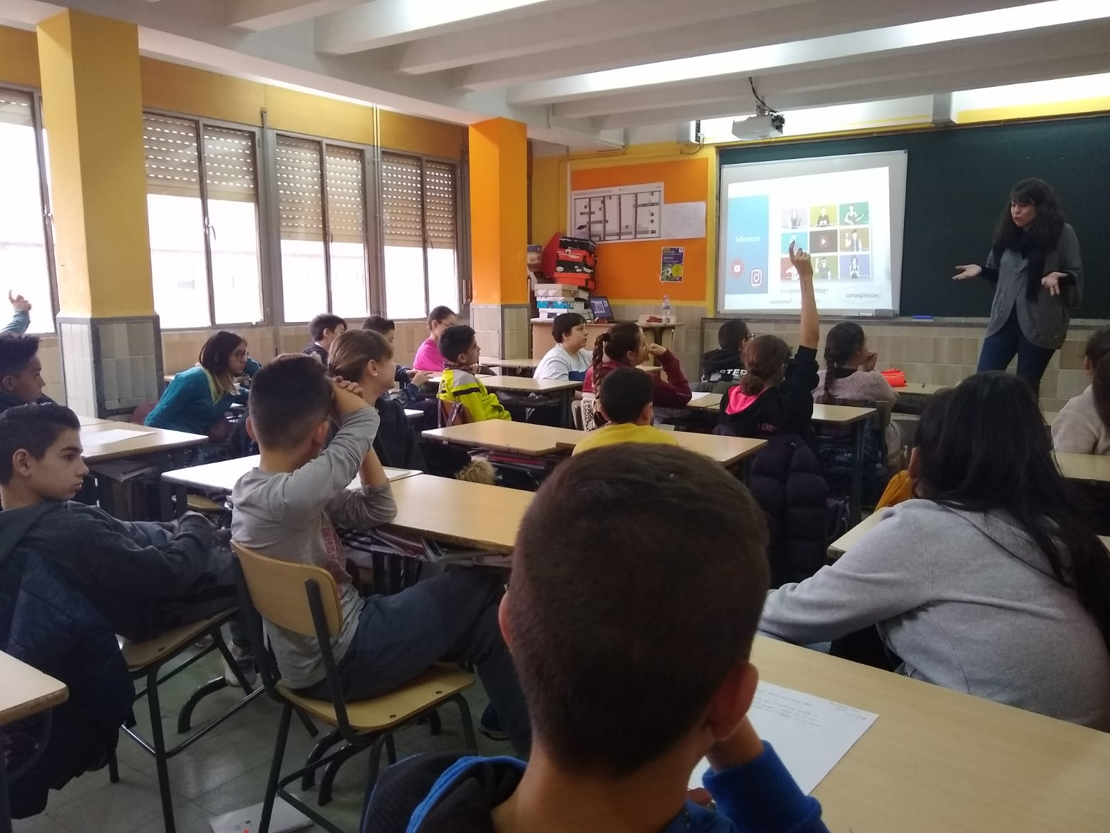 Talleres-Smarthuman-PantallasAmigas-Escola-L_Esperança-alumnos