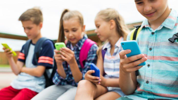 Cómo configurar un teléfono móvil para que un menor lo utilice sin riesgos